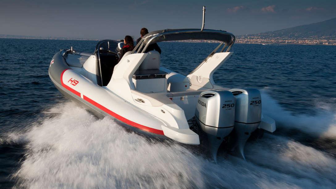 bateau 2 moteurs